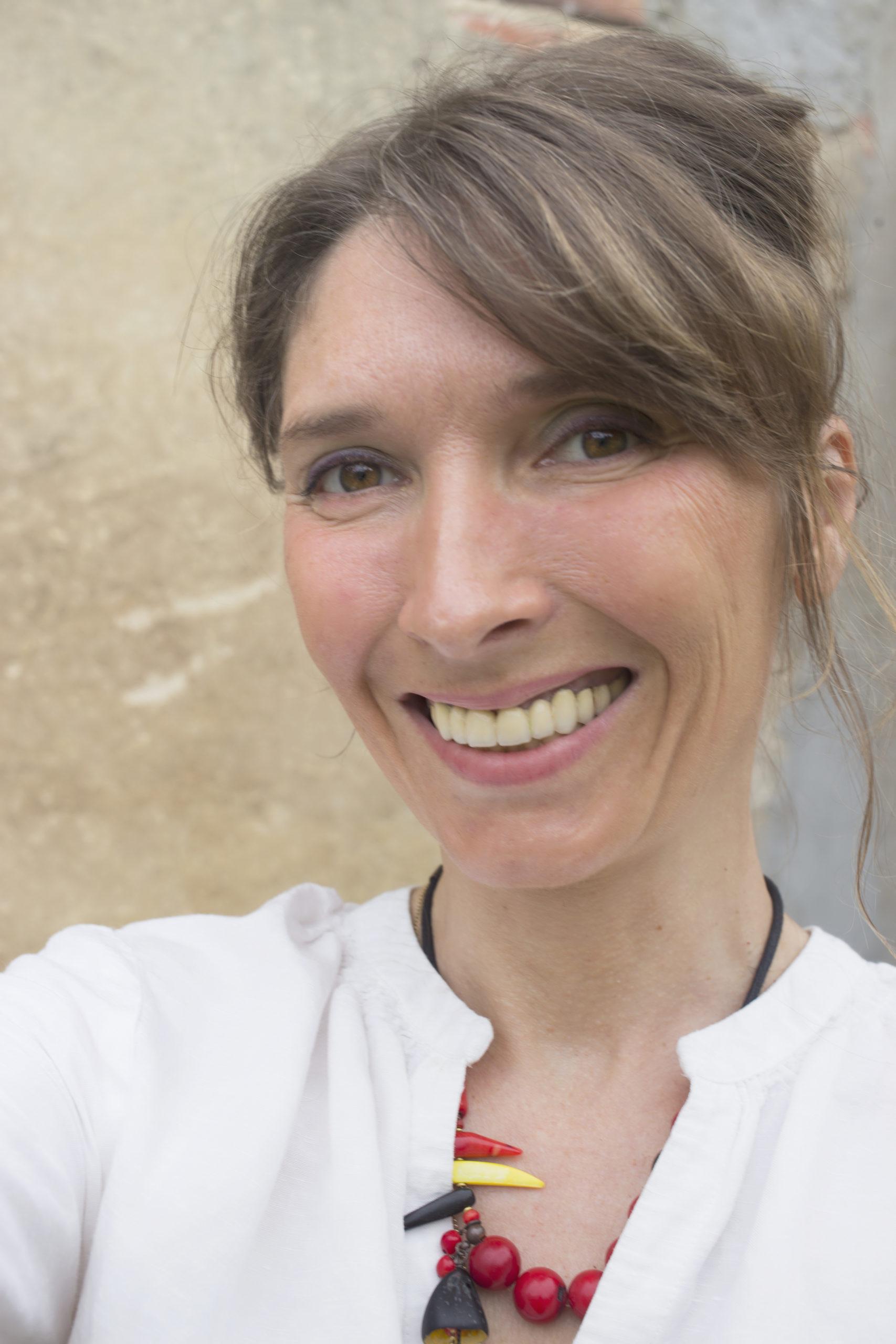 Sabrina Ambre Biller   Autrice, illustratrice et photographe
